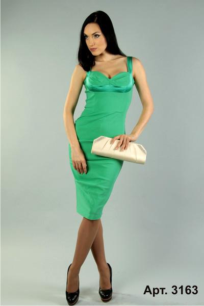 Зеленое платье черные колготки фото