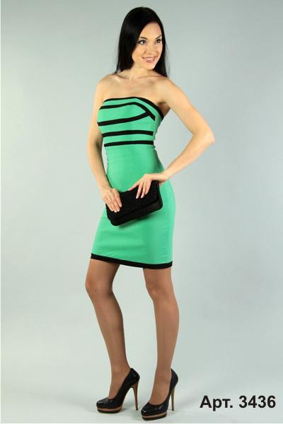 Вечернее нарядное платье для подростка можно украсить золотой вышивкой или кружевом. По-прежнему остаются популярны трапециевидные платья с расклешенным