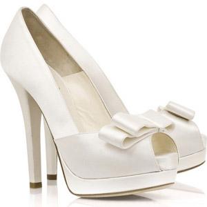 Белые и бежевые туфли с открытым и закрытым носом