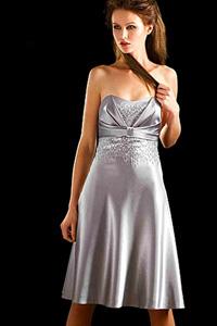 Серебристое платье украшения