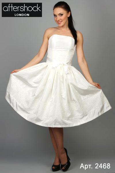 Белое платье - такой же полноправный представитель классического течения в моде, как строгий деловой костюм или знаменитое маленькое черное платье